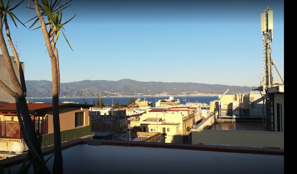 Best Season Reggio Di Calabria 2 9 9 Price Address