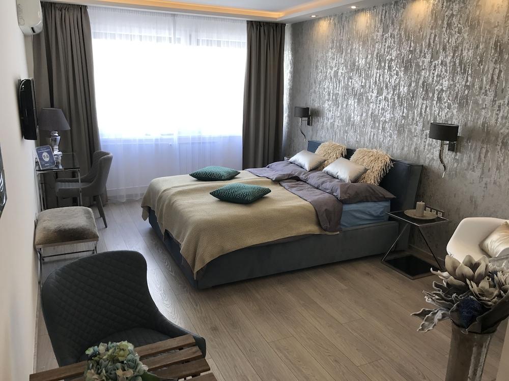 Dfive Apartments - Danube Corso