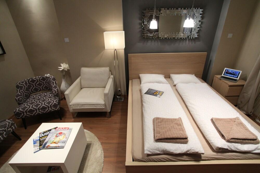 Dfive Apartments - Regiposta
