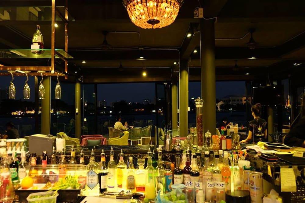 V Varee Bangkok