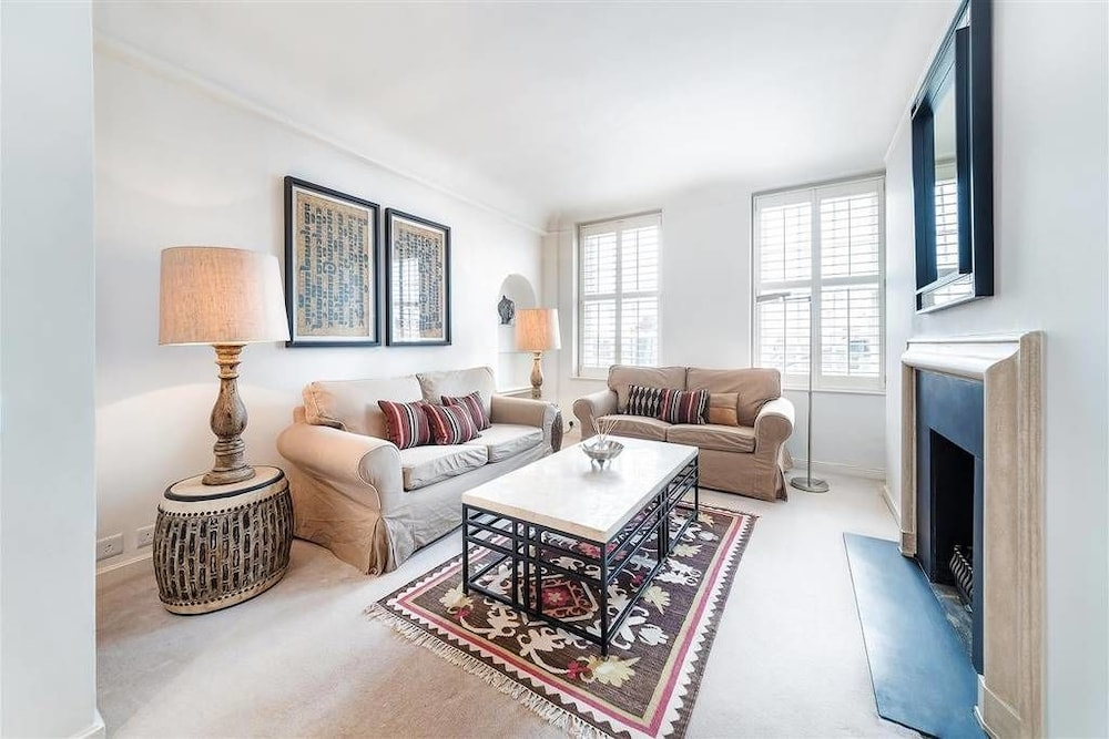 Fabulous One Bed Flat just off The Kings Road