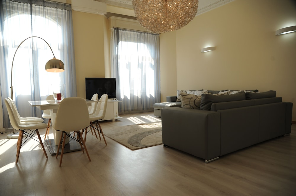 Budapest Easy Flat - Basilica Lux