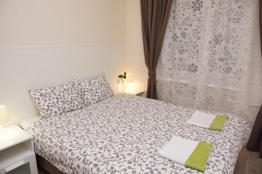 Mini-Hotel Spokoynoy Nochi on Kievskaya
