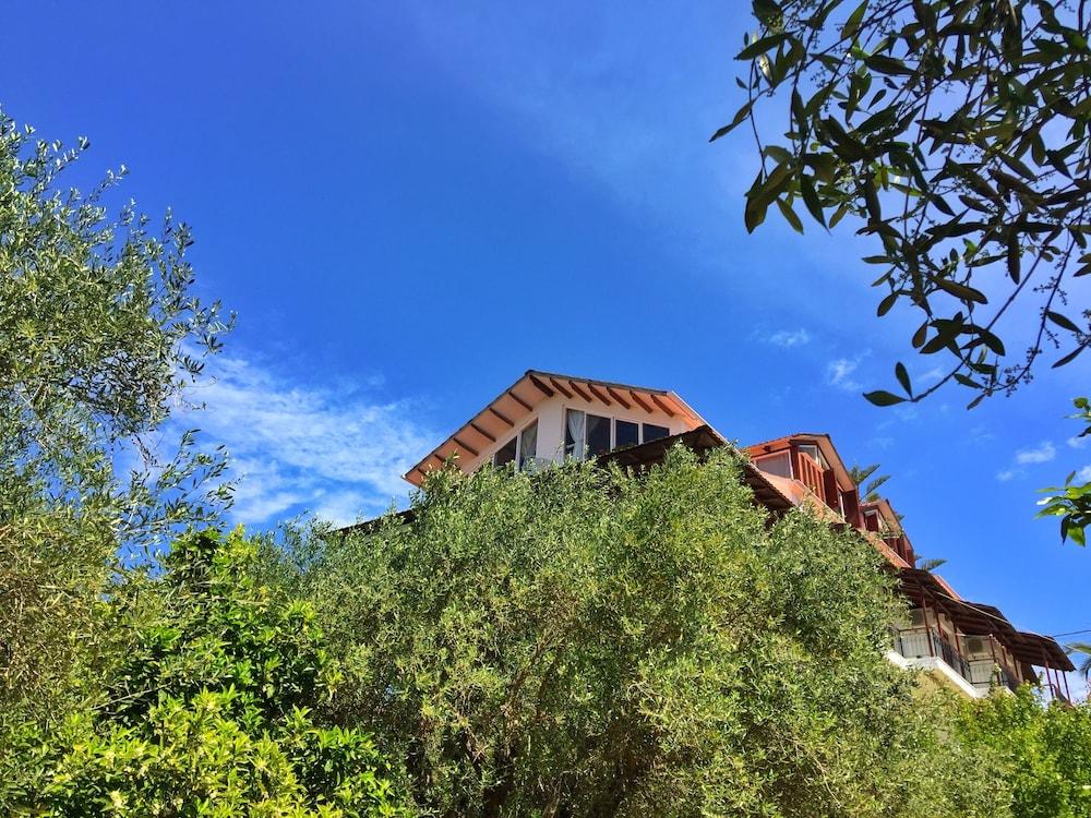 Margarita Apartments