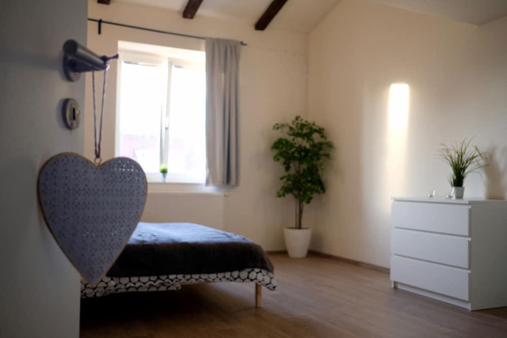 Legerova apartment