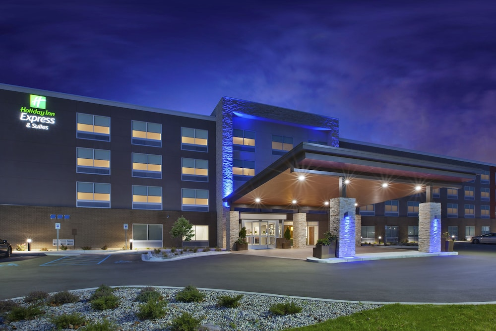Holiday Inn Express Grand Rapids Airport North