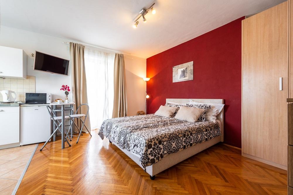Apartments Pero