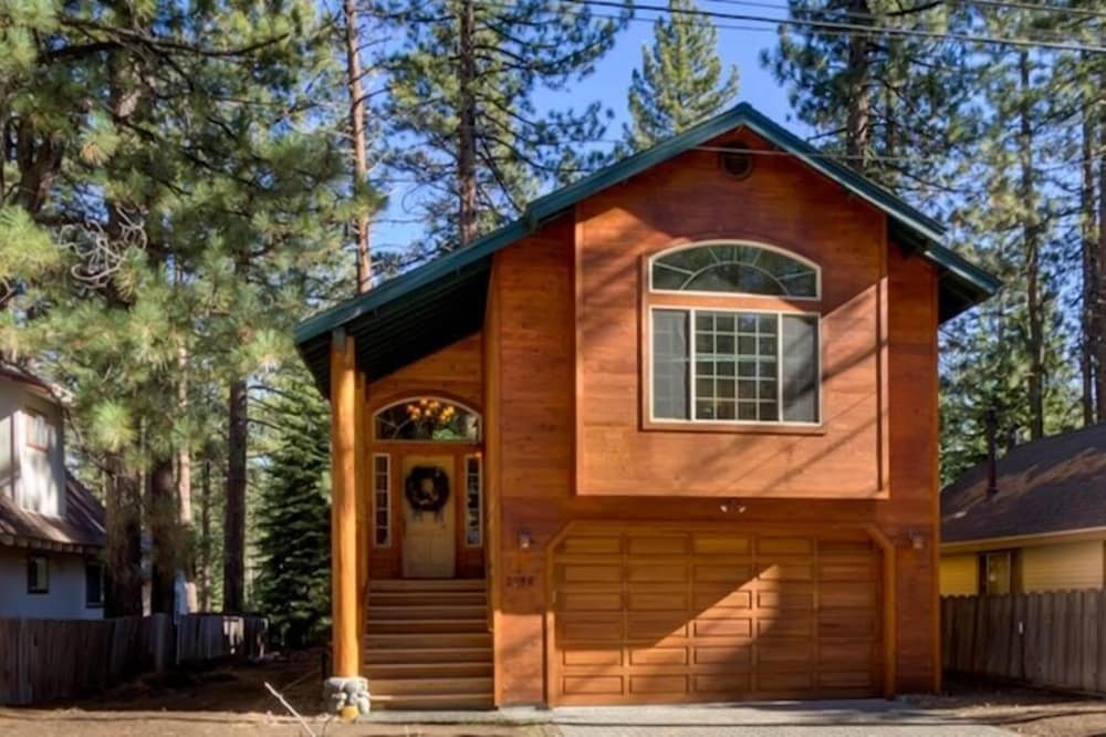 Lukins Mountain House #cth2058 3 Bedrooms 2.5 Bathrooms Home
