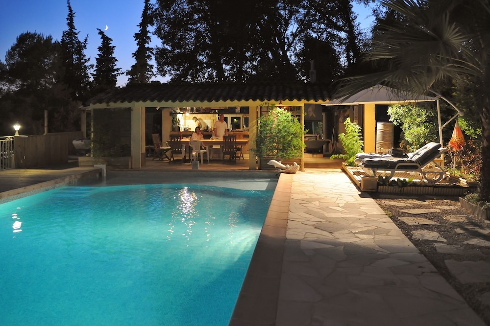 Villa With 3 Bedrooms in Roquefort-les-pins, With Private Pool, Enclos