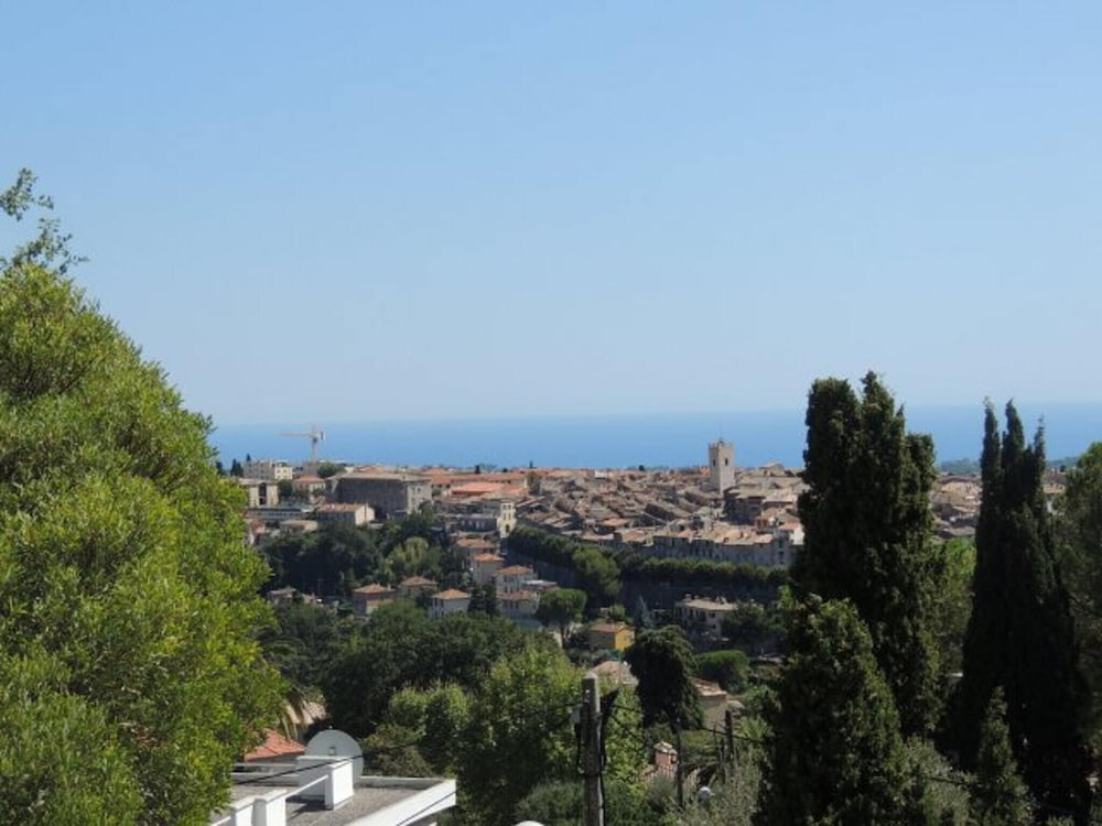 House With 2 Bedrooms in Vence, With Wonderful Mountain View and Enclo