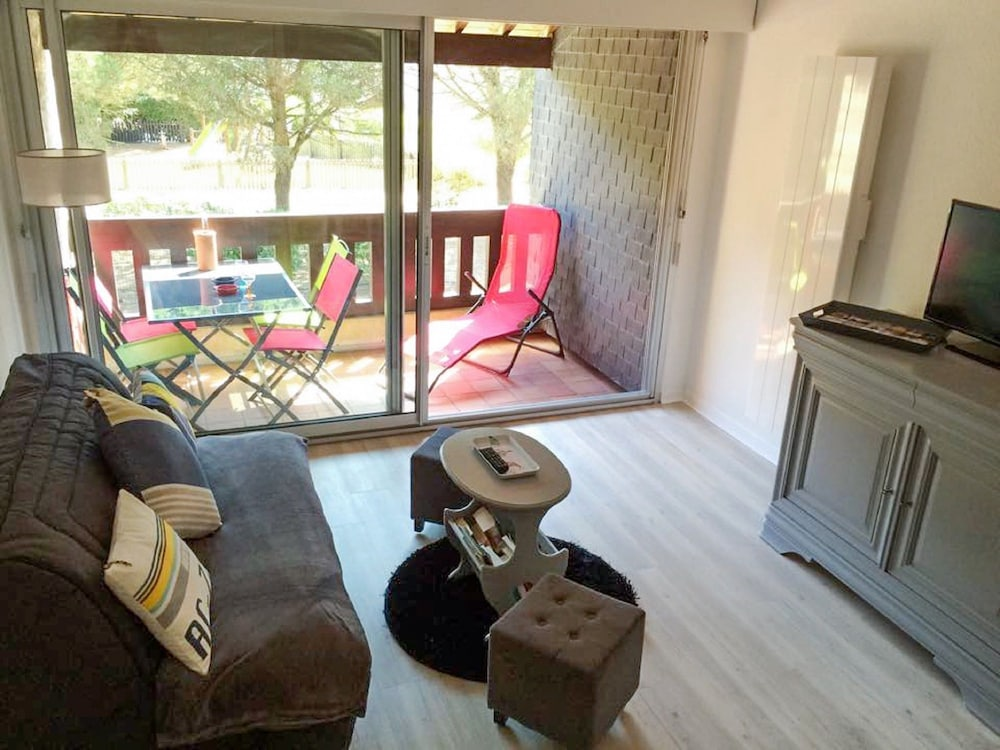 Apartment With one Bedroom in Carnac, With Furnished Balcony - 200 m F