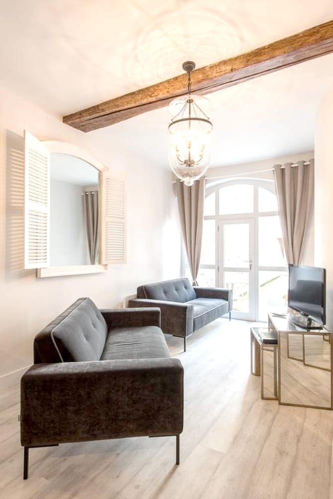Apartment With 2 Bedrooms in Beaune, With Wifi