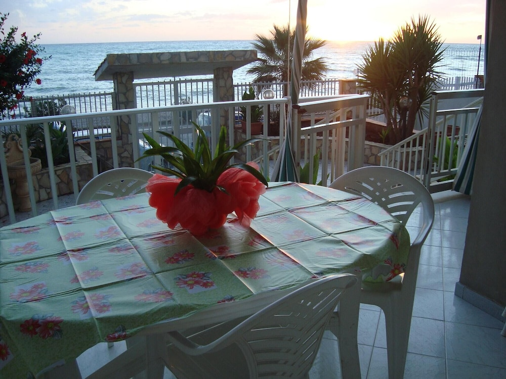 Apartment With 2 Bedrooms in Seccagrande, With Wonderful sea View, Fur