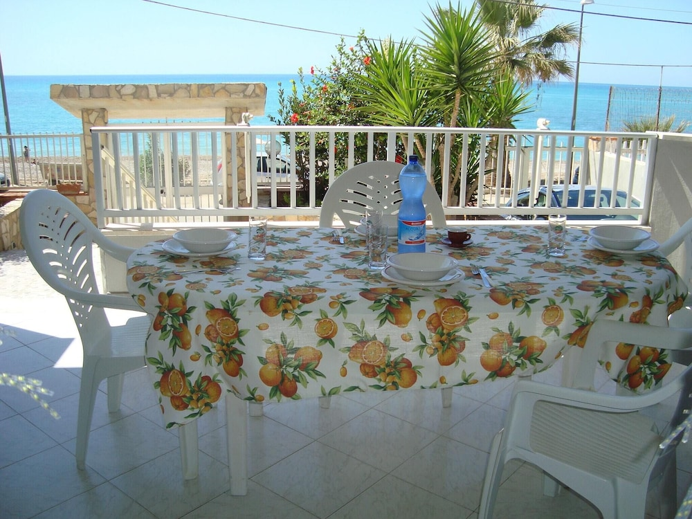 Apartment With 2 Bedrooms in Seccagrande, With Wonderful sea View and