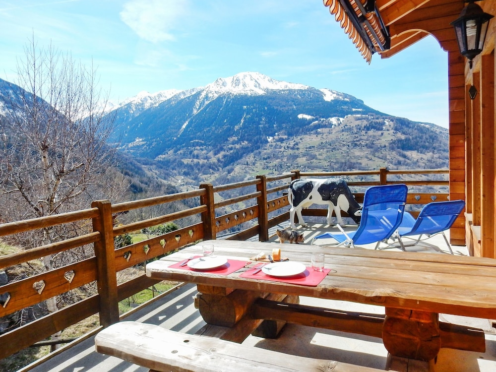 Chalet With 3 Bedrooms in Veysonnaz, With Wonderful Mountain View, Fur
