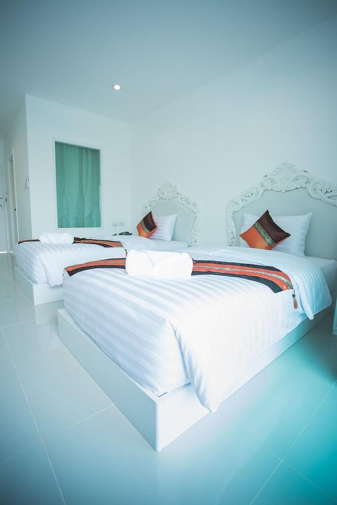 White house floor1 green roomjpg Blue Room Inhabitat White House Hotel Tak Best Offers On White House Hotel Tak