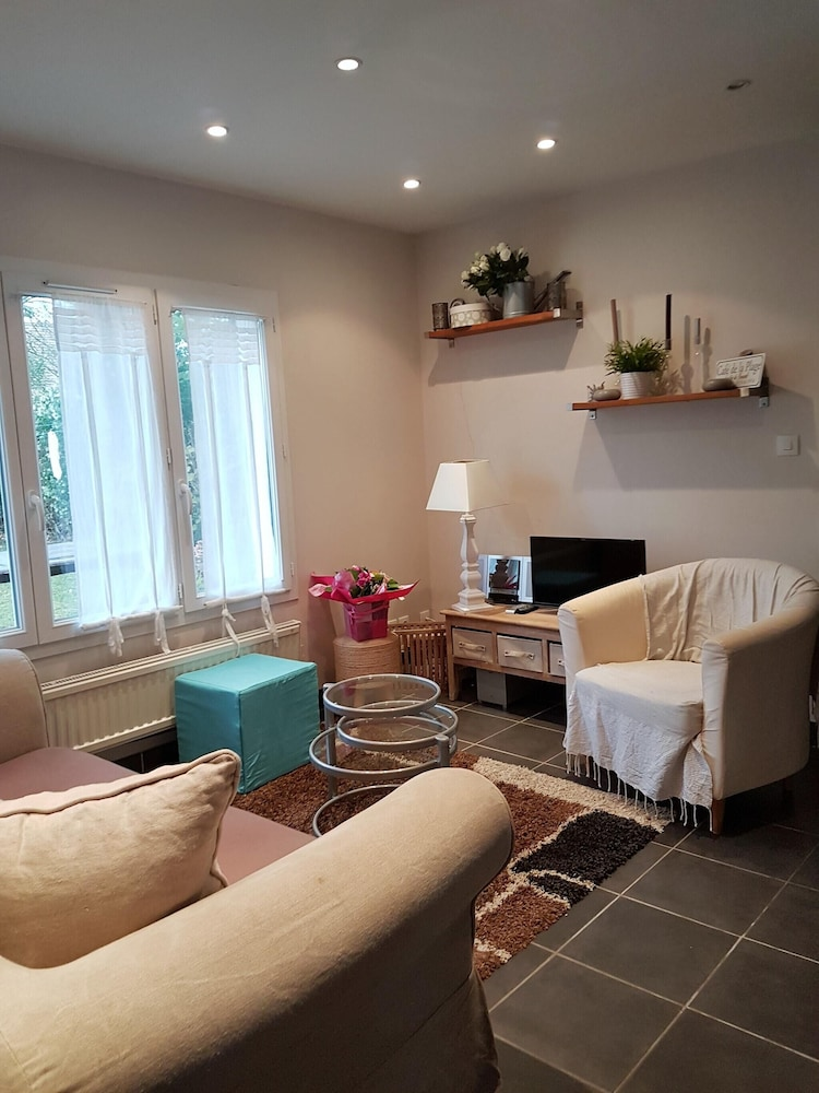 House With 2 Bedrooms in Varaville, With Furnished Garden - 400 m From