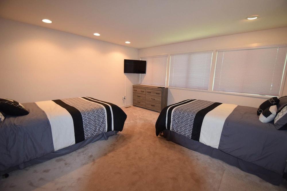 Tunnel Avenue 14106 2 Bedrooms 2 Bathrooms Home