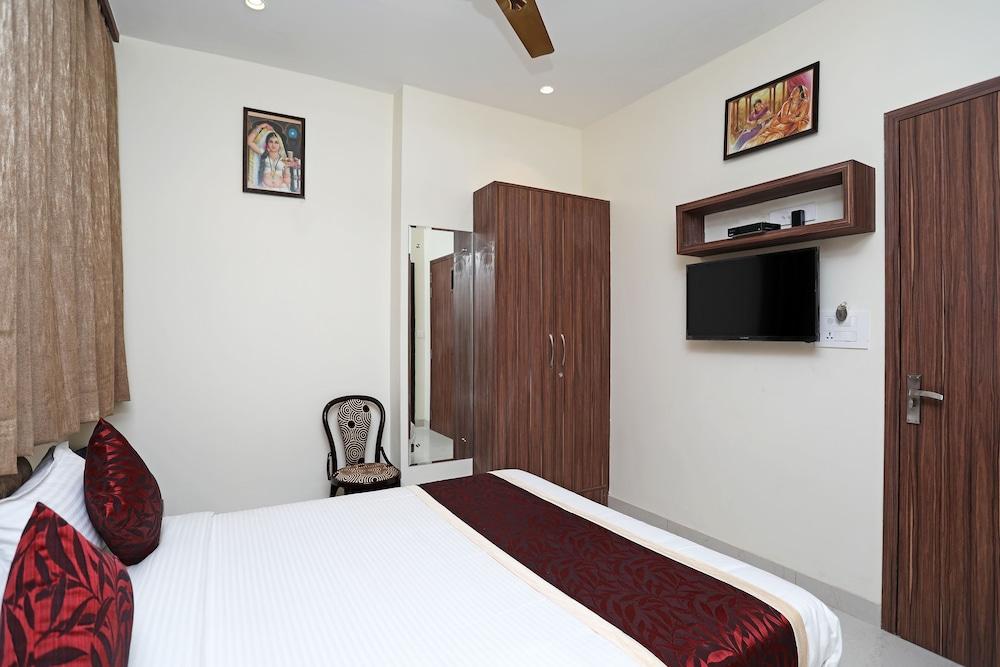 OYO 10131 Hotel Raj