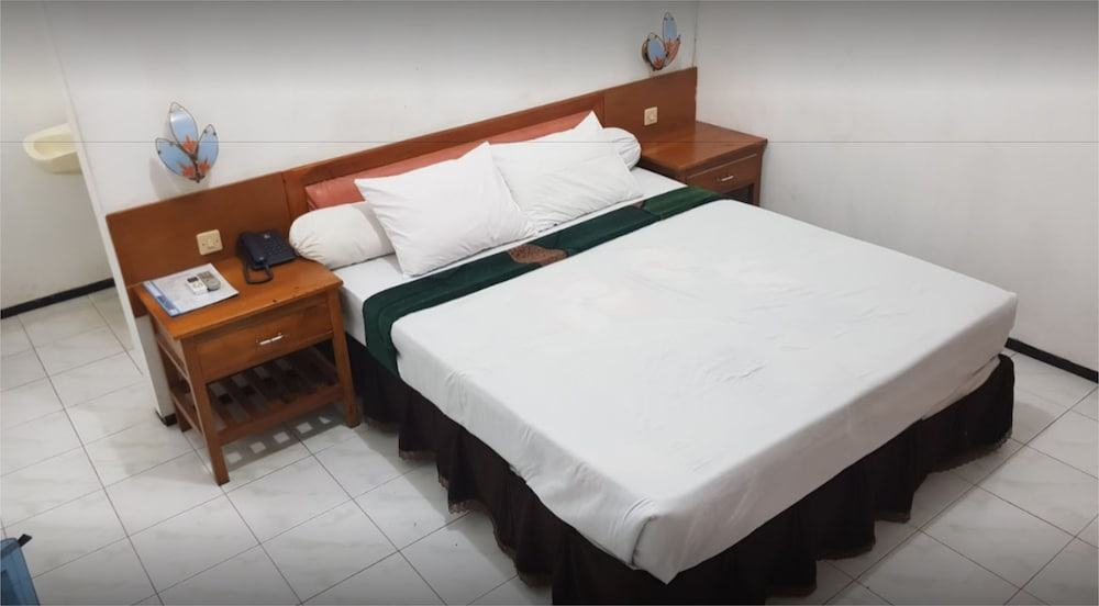 Berlian Abadi Hotel Banyuwangi Price Address Reviews