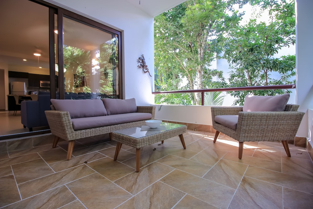 Exclusive Corner Condo with private Balcony in Akumal by olahola