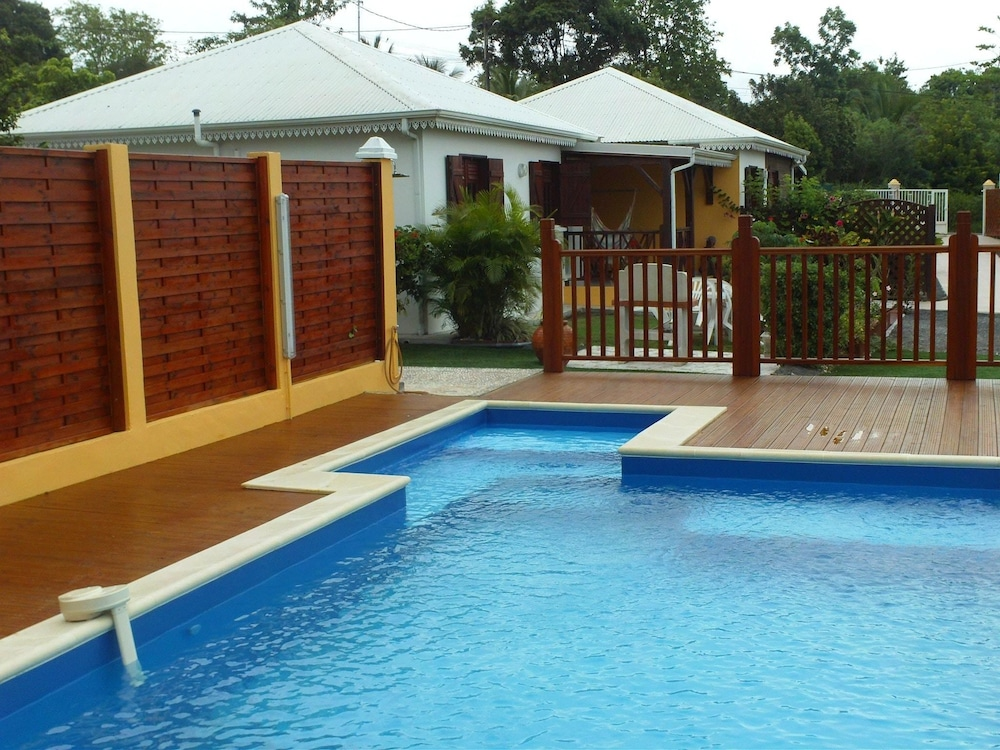 House With 2 Bedrooms in Saint-françois, With Private Pool, Enclosed G