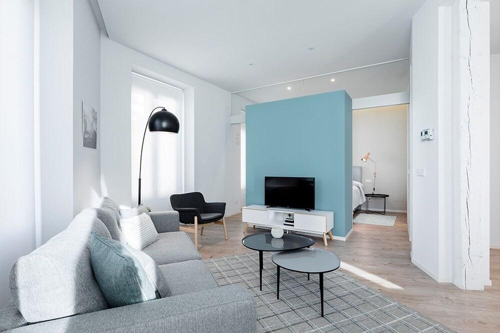 Puerta Toledo Apartment by FlatSweethome