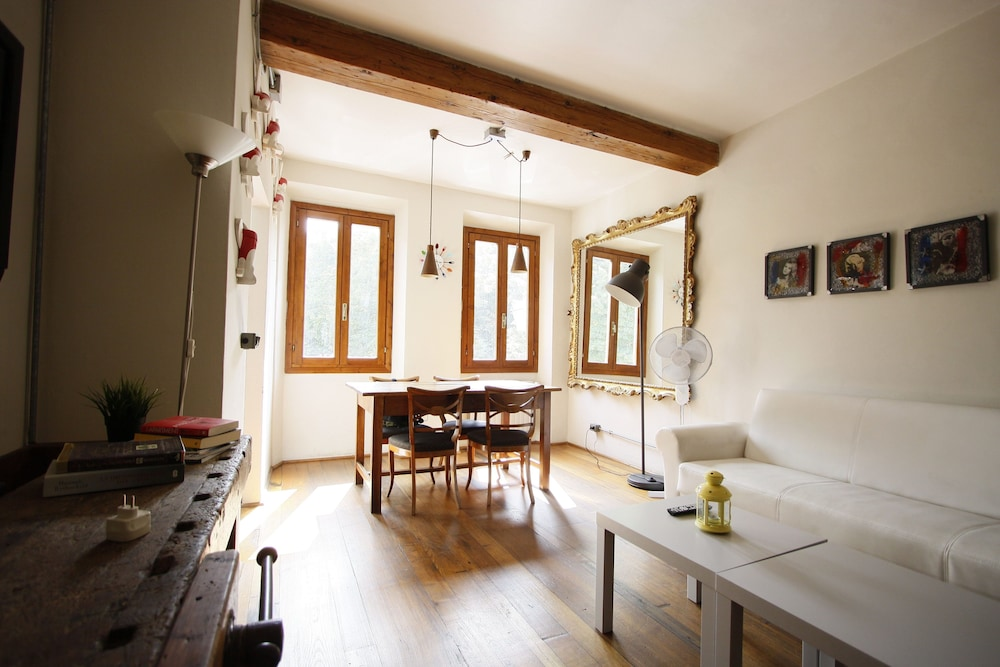 Artistic Flat in Oltrarno Florence