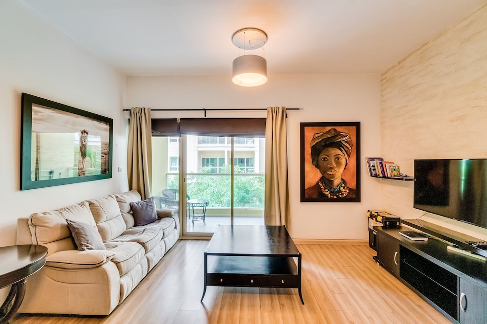 Short Booking - 1 BDR Apartment Greens