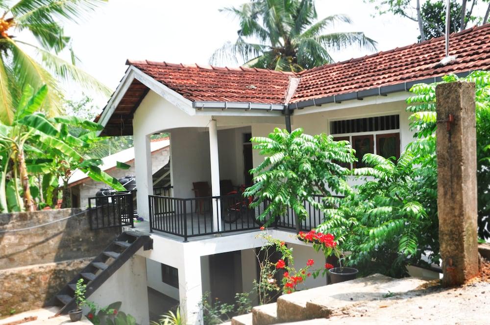 Dineth Villa