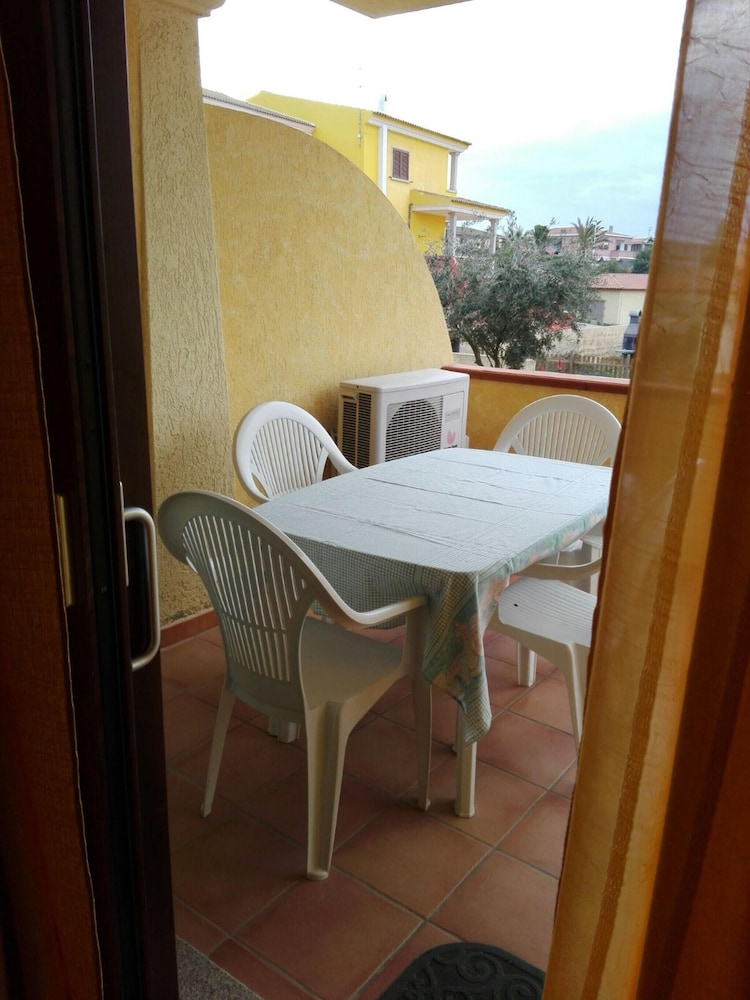 Apartment With 2 Bedrooms in Lu Bagnu, With Furnished Terrace - 300 m