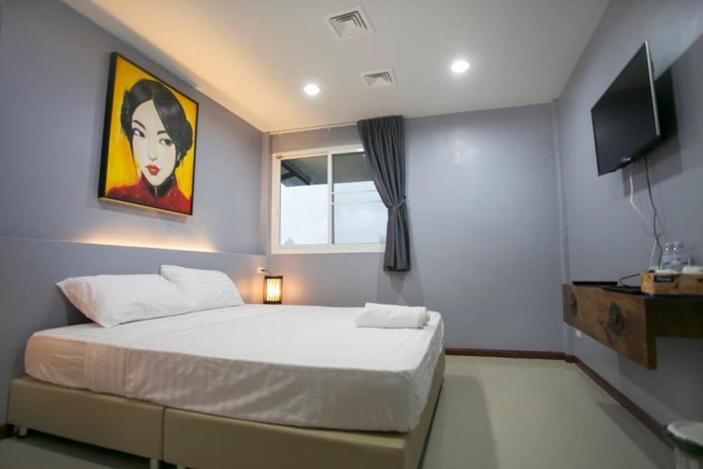 The Rooftop Residence - Hostel