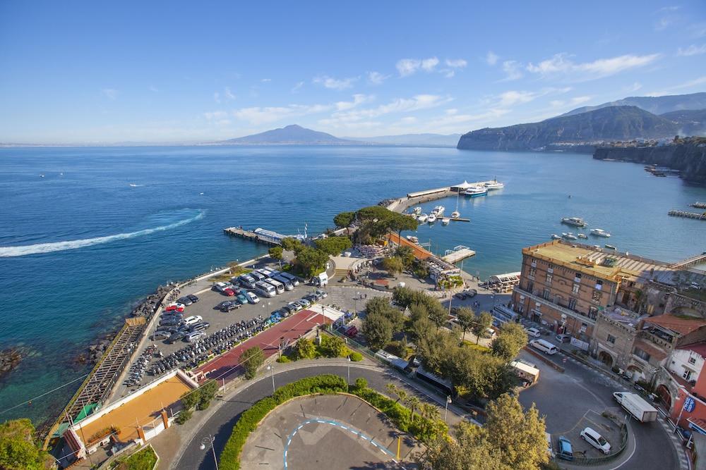 La Terrazza 38 Napoli Price Address Reviews