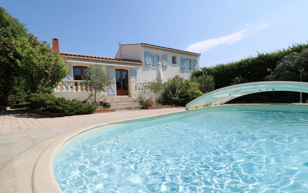 Villa With 3 Bedrooms in Saint-georges-d'orques, With Private Pool, En