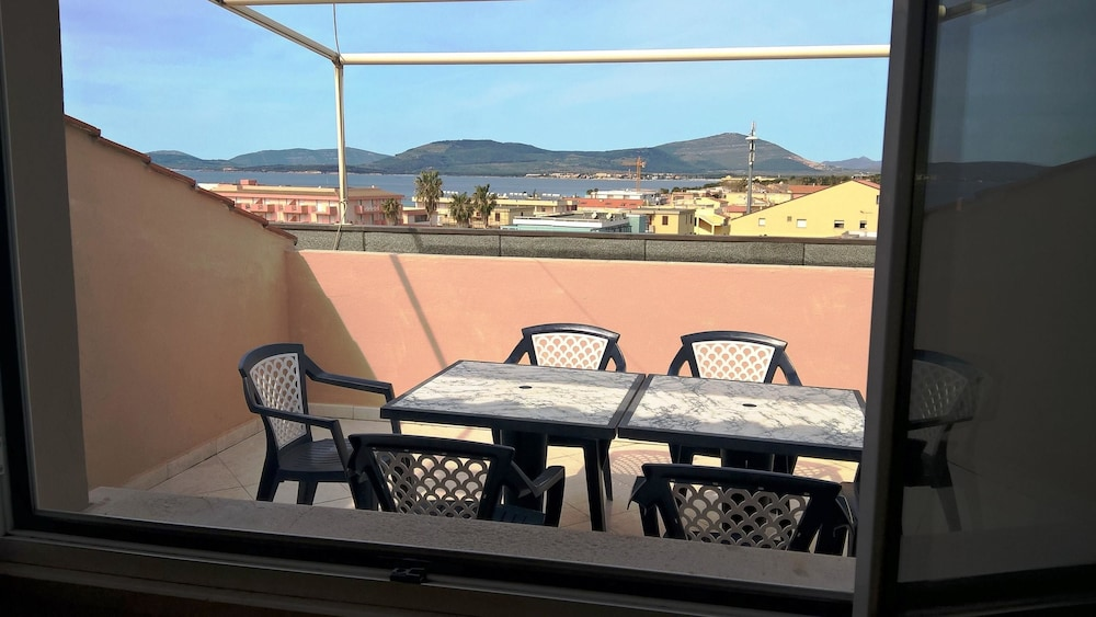 Apartment With 3 Bedrooms in Alghero, With Wonderful sea View, Furnish