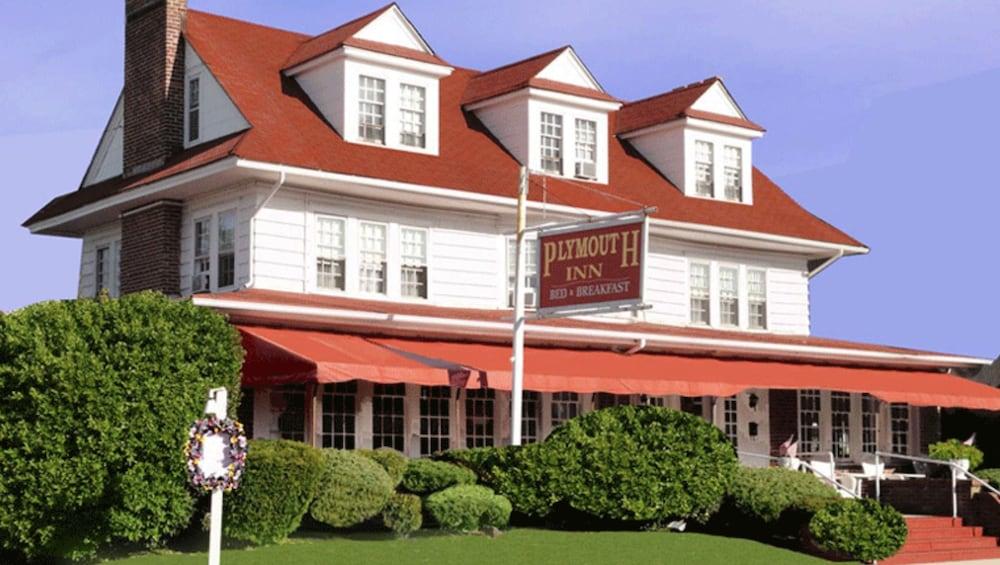 Plymouth Inn