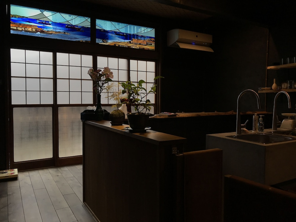 CōBō Hostel