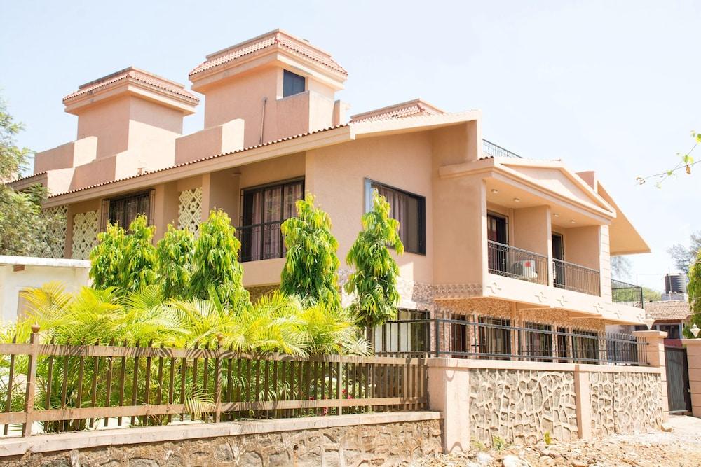Lalco Villas
