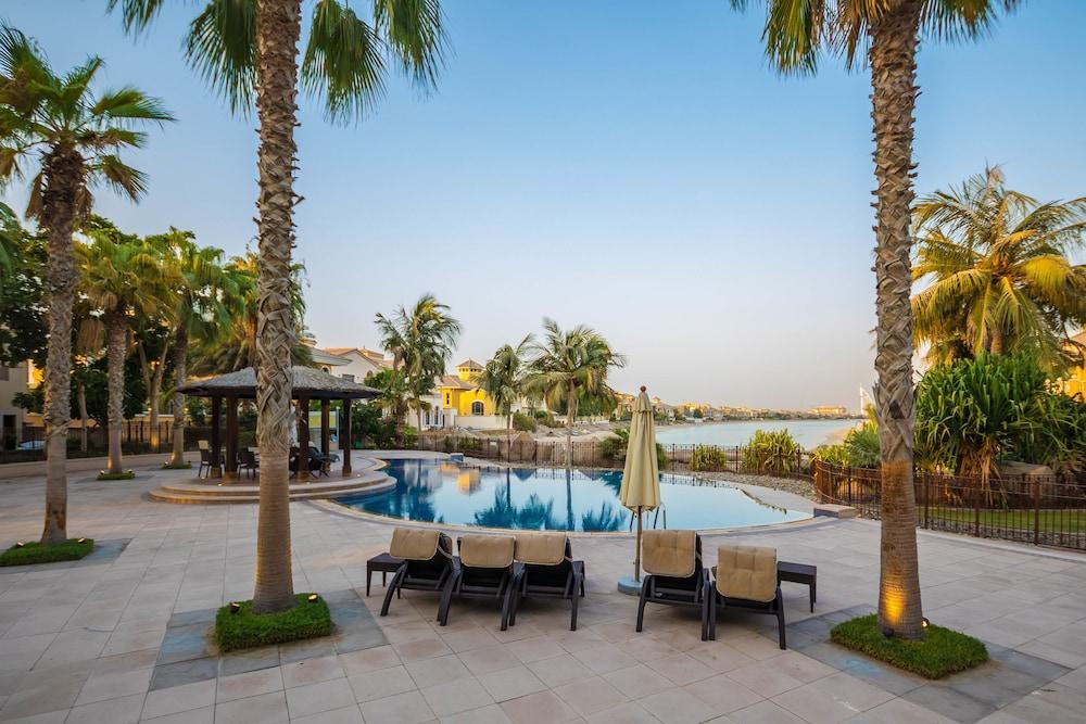Yanjoon Holiday Villas - Palm Frond A