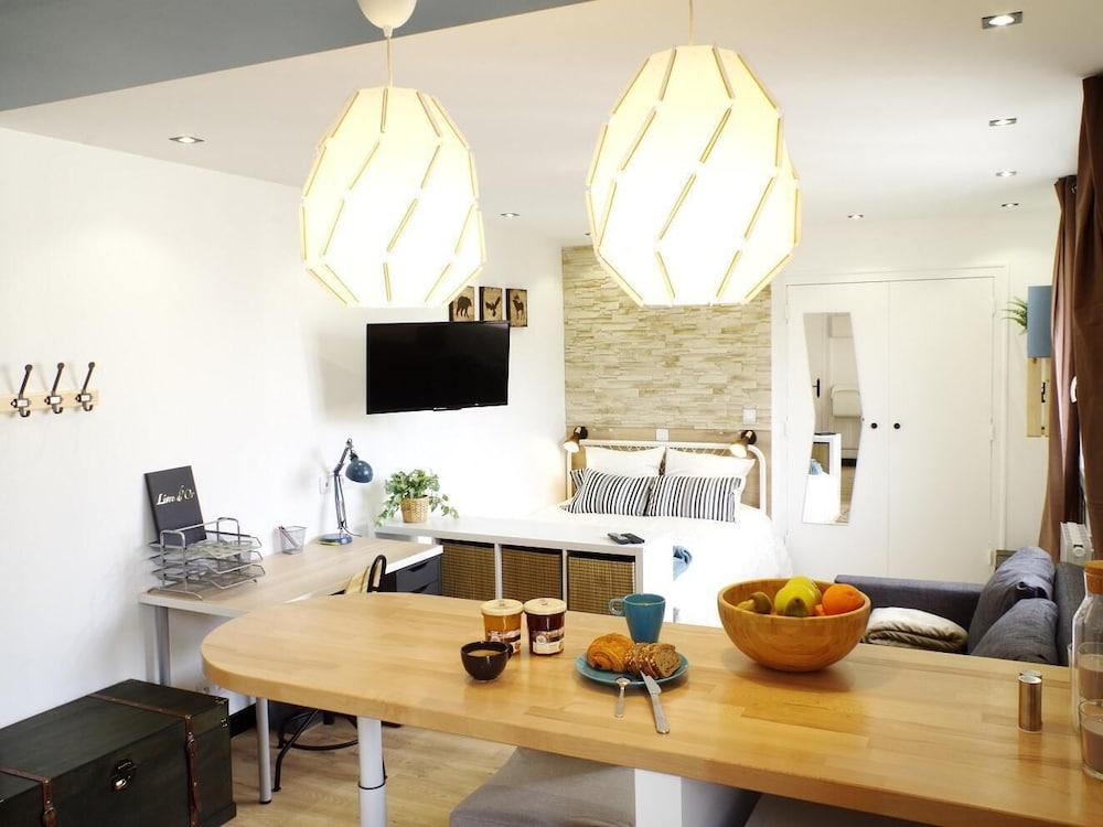 The Pied-à-terre - Completely new Studio