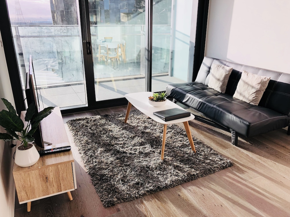 Explore Docklands Lovely Apartment LVL8