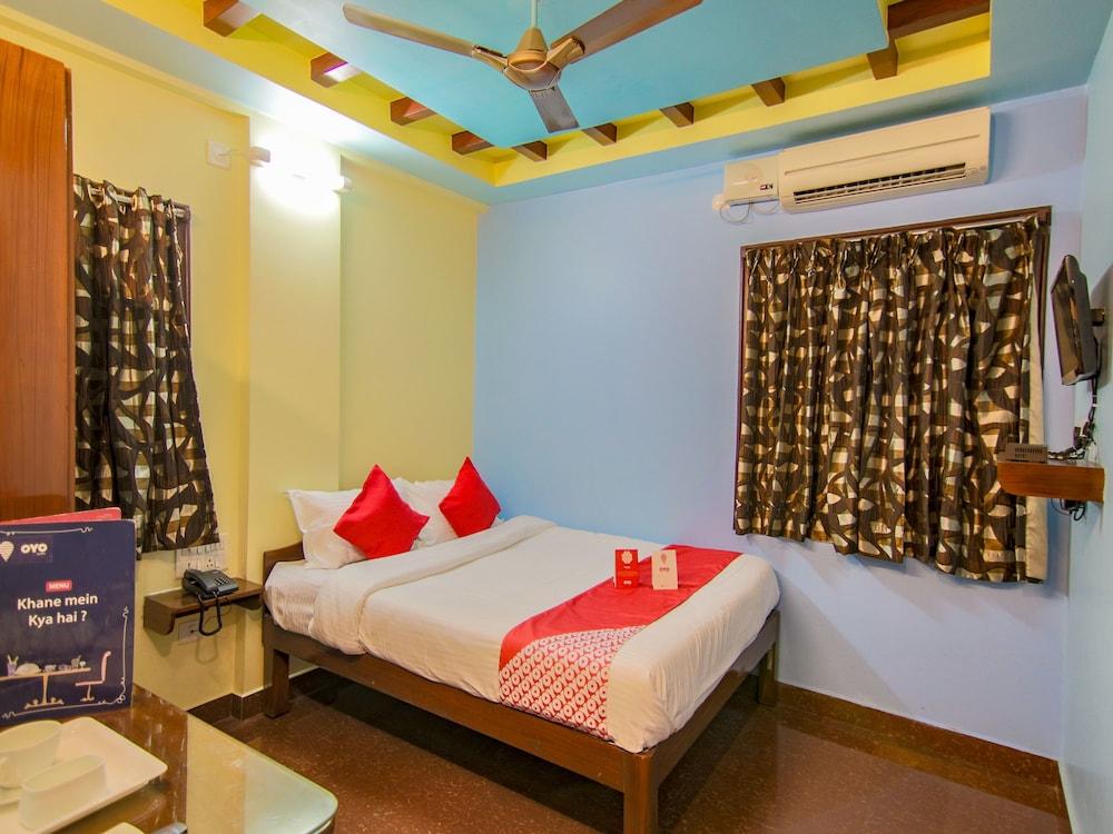 OYO 10711 Hotel NSNR Residency