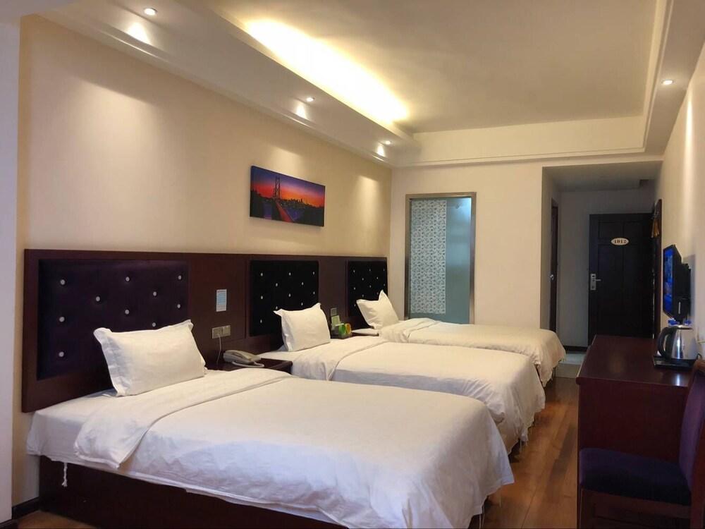 Xiandai Huayuan Hotel