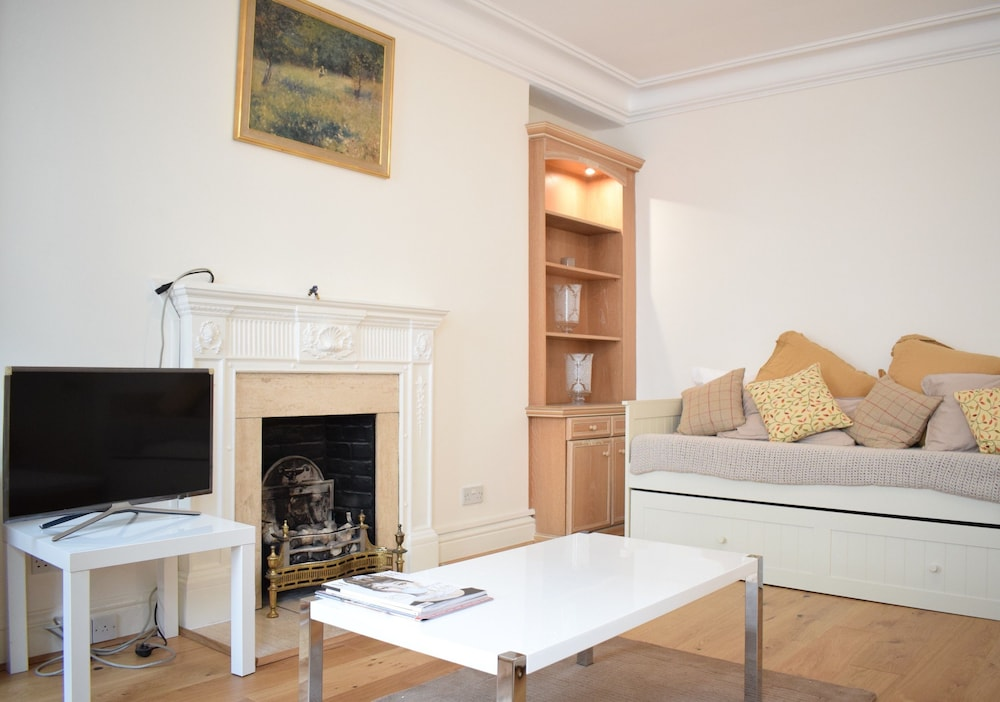 Spacious 1 Bedroom Flat In Piccadilly Circus