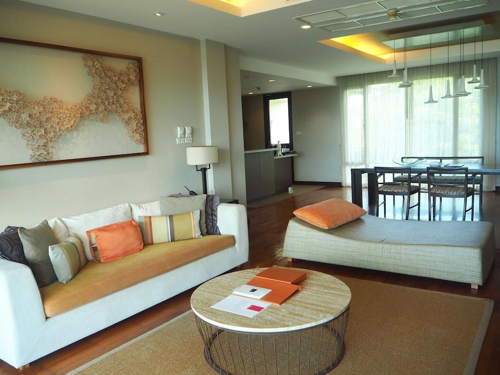 ShaSa Luxury Seaview Apartment