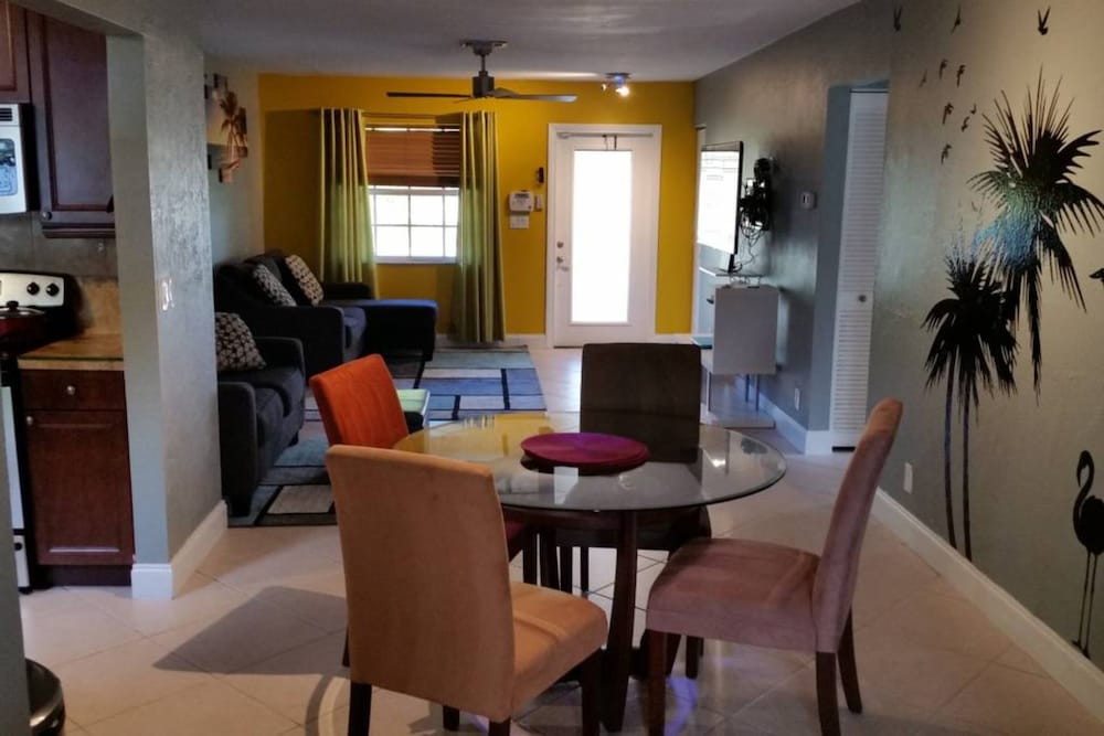Beautiful Lakeview Sunsets Resort - 3BR