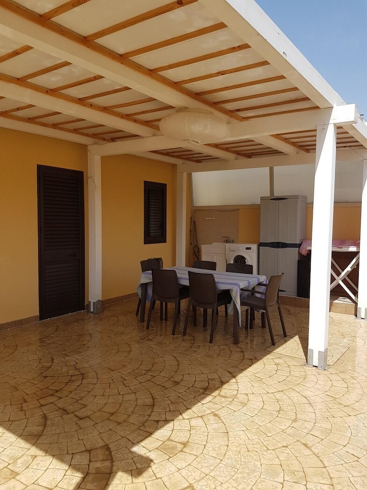 House With 2 Bedrooms in Lido di Noto, With Furnished Terrace - 200 m