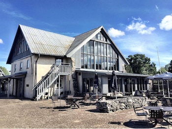 Gumbalde Golf & Hotel