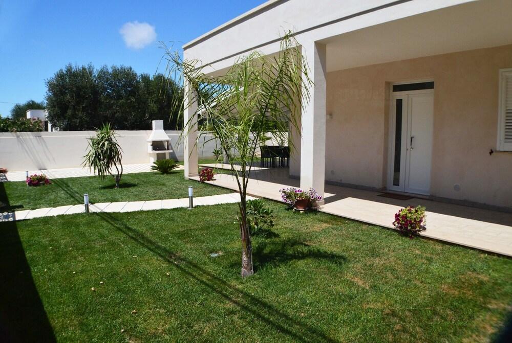 Elcisia Luxe Beach House