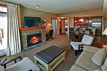 Luxury Suites At The Blackstone Mountain Lodge 1 Bedroom Condo (782633920) photo